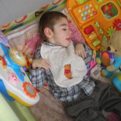 Dylan dans le parc de son cousin