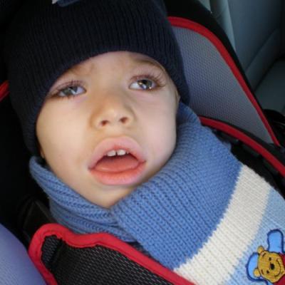 Dylan en voiture.
